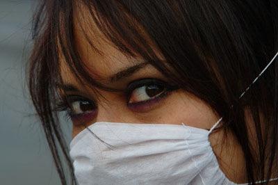 Mexiko-Stadt: Frau mit Schutzmaske