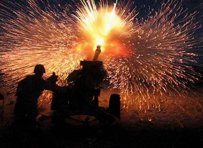 Feldhaubitze der Oregon Army National Guard wird abgefeuert